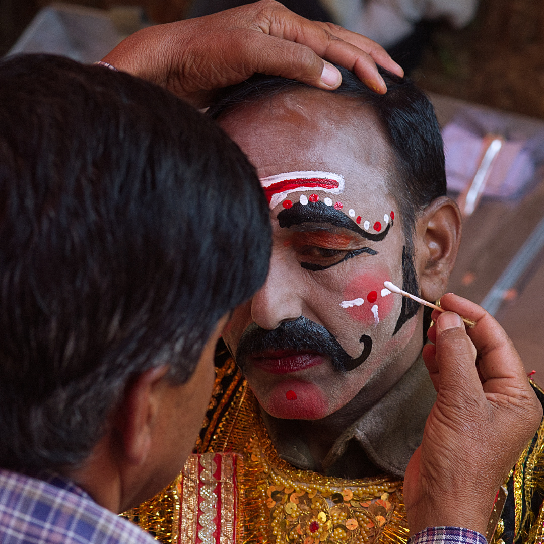 Make-Up being done on Ravana